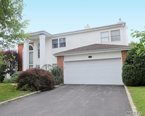157 Country Club Dr, Commack, NY 11725 (MLS #3149312) :: Keller Williams Points North