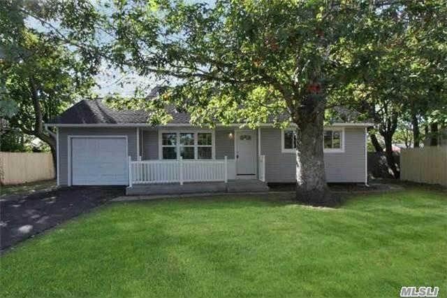 22 Sylvan St, Bay Shore, NY 11706 (MLS #3149357) :: Netter Real Estate
