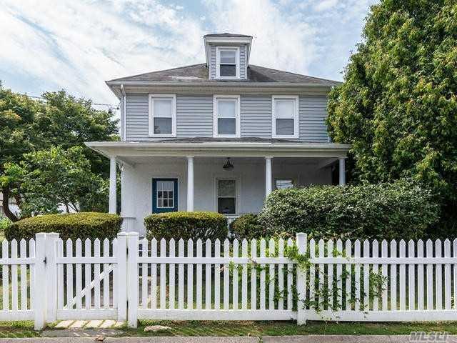 15 Cross St, Locust Valley, NY 11560 (MLS #3152385) :: Signature Premier Properties