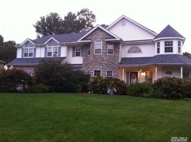 4 Cobbler Ln, Setauket, NY 11733 (MLS #3153495) :: Netter Real Estate