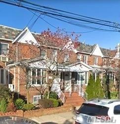 77-18 87th St, Glendale, NY 11385 (MLS #3155057) :: Netter Real Estate