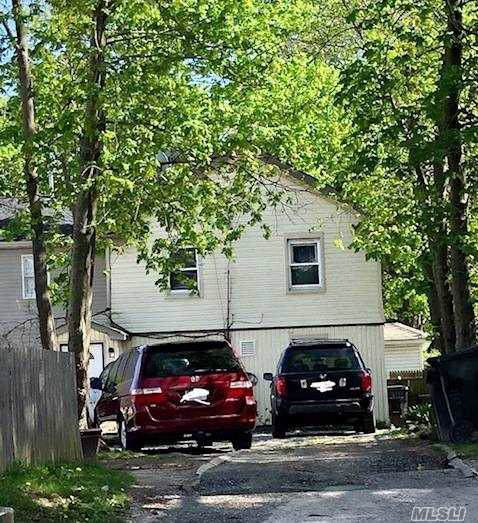 58 Redington St, Bay Shore, NY 11706 (MLS #3163772) :: Netter Real Estate