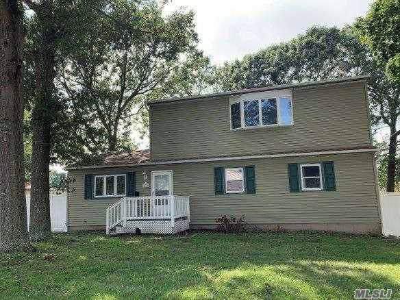 26 Walnut St, Lake Grove, NY 11755 (MLS #3163850) :: Keller Williams Points North