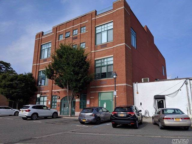 70 S Main St, Freeport, NY 11520 (MLS #3163952) :: Netter Real Estate