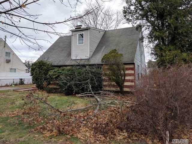 97 Albatross Rd, Levittown, NY 11756 (MLS #3164235) :: Signature Premier Properties
