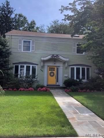 122 Wright Rd, Rockville Centre, NY 11570 (MLS #3164382) :: Signature Premier Properties