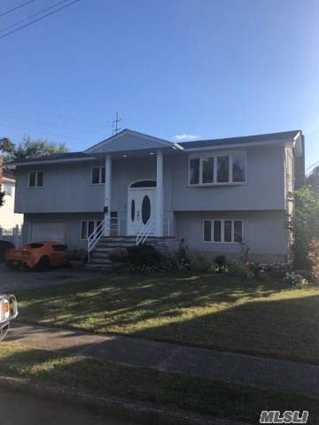 7 N Lewis Ave, Lindenhurst, NY 11757 (MLS #3164489) :: Netter Real Estate