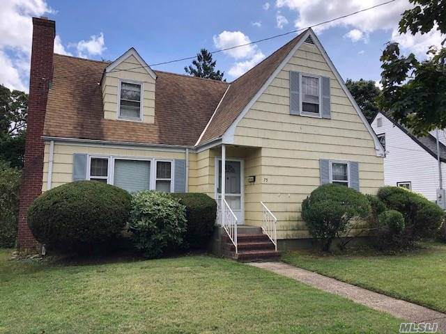 75 William St, Farmingdale, NY 11735 (MLS #3164601) :: Signature Premier Properties