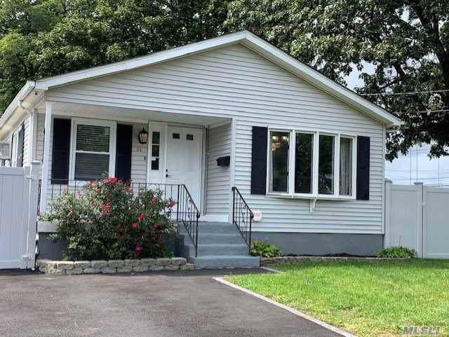 11 Cordello Ave, Central Islip, NY 11722 (MLS #3164613) :: Netter Real Estate