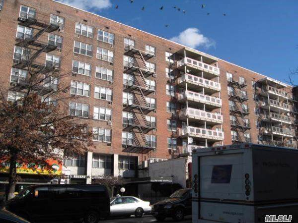 41-25 Kissena Blvd 2C, Flushing, NY 11355 (MLS #3164828) :: HergGroup New York