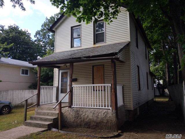 205 Cornell St, Hempstead, NY 11550 (MLS #3165024) :: Shares of New York