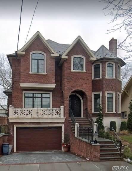 5-03 Parsons Blvd, Malba, NY 11357 (MLS #3165533) :: Signature Premier Properties