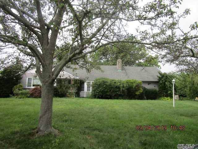 120 Wampum Ln, West Islip, NY 11795 (MLS #3165643) :: Signature Premier Properties