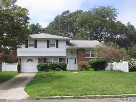 116 Marilyn St, East Islip, NY 11730 (MLS #3165673) :: Netter Real Estate
