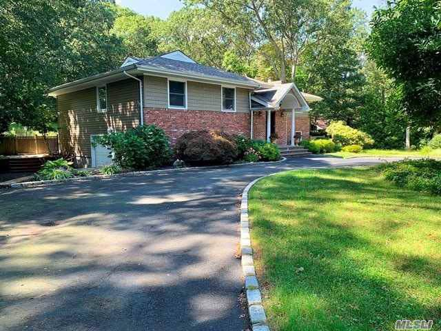 12 Beaumont Dr, Melville, NY 11747 (MLS #3165734) :: Netter Real Estate