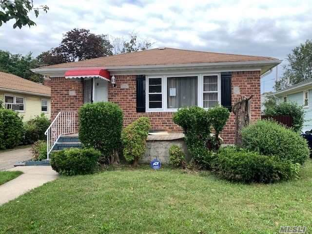 91 Harriman Ave, Hempstead, NY 11550 (MLS #3166367) :: Shares of New York