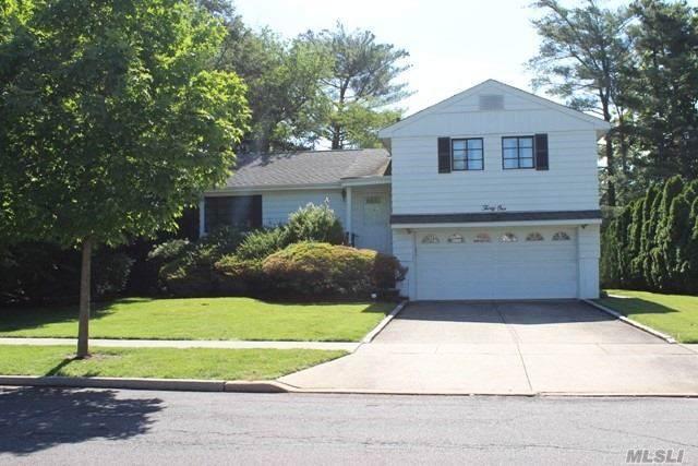 31 East Dr, Garden City, NY 11530 (MLS #3170581) :: Kevin Kalyan Realty, Inc.