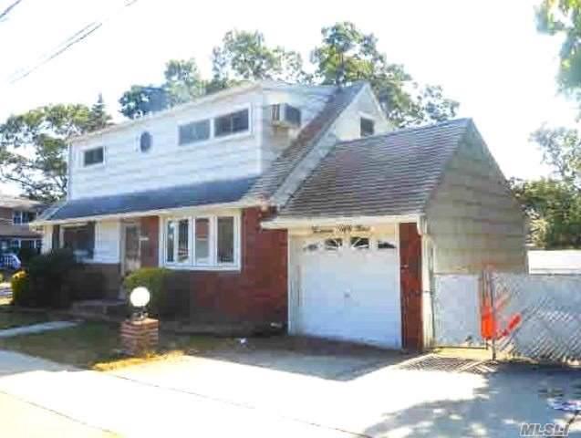 1359 L St, Elmont, NY 11003 (MLS #3170699) :: Kevin Kalyan Realty, Inc.
