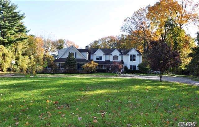 60 Snake Hill Rd, Cold Spring Hrbr, NY 11724 (MLS #3171127) :: Signature Premier Properties