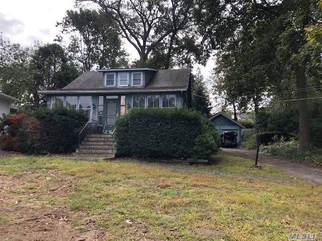 24 Soundview Ave, E. Northport, NY 11731 (MLS #3171529) :: Signature Premier Properties