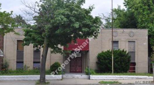 99-11 Francis Lewis Blvd, Queens Village, NY 11429 (MLS #3172674) :: Shares of New York