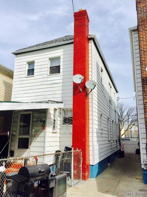 95-26 107 St, Ozone Park, NY 11416 (MLS #3173179) :: Netter Real Estate