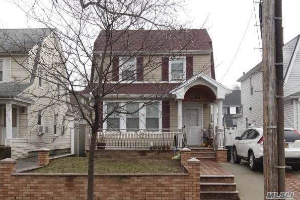 89-51 215th Pl, Queens Village, NY 11427 (MLS #3173865) :: Shares of New York