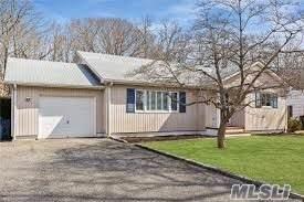 10 Lockitt Dr, Jamesport, NY 11947 (MLS #3173967) :: Signature Premier Properties