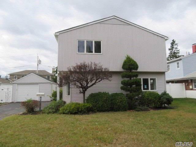 394 Warwick Rd, East Meadow, NY 11554 (MLS #3174035) :: Signature Premier Properties