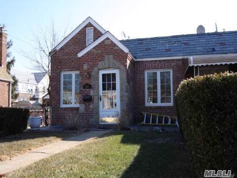 116-13 224th St, Cambria Heights, NY 11411 (MLS #3174049) :: Shares of New York