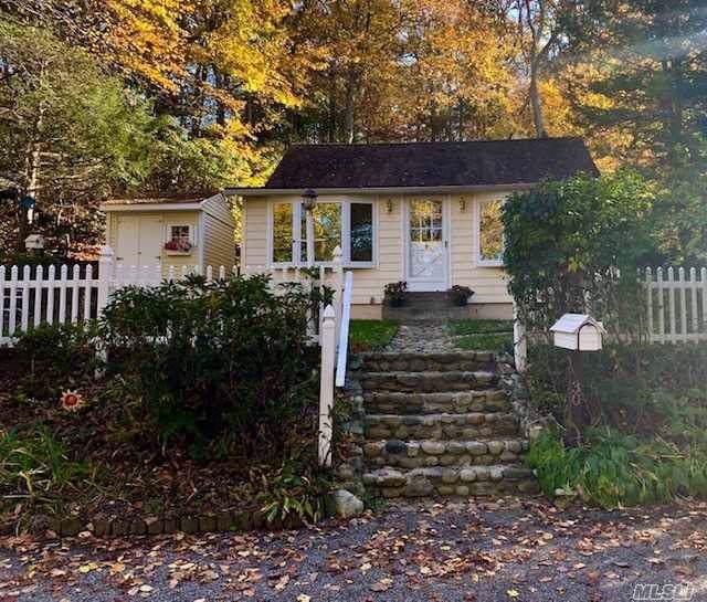 30 Meahon Pl, Centerport, NY 11721 (MLS #3177314) :: Signature Premier Properties
