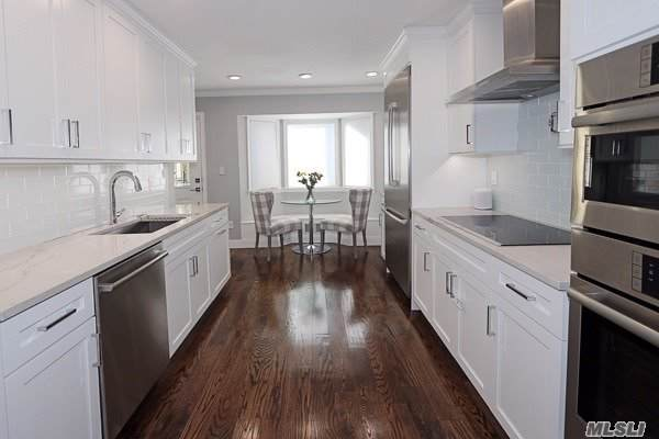 35 W Aspen Dr, Woodbury, NY 11797 (MLS #3179499) :: Signature Premier Properties