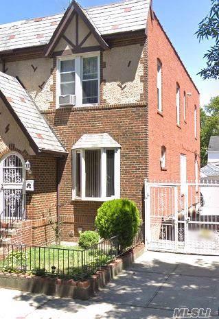 25-19 83rd St, Jackson Heights, NY 11370 (MLS #3179924) :: HergGroup New York