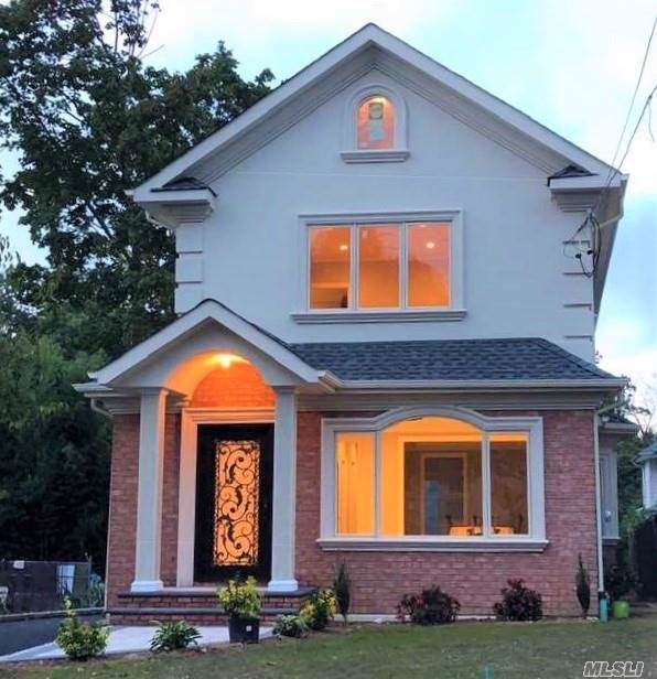 111 Steamboat Rd, Great Neck, NY 11024 (MLS #3180508) :: Signature Premier Properties