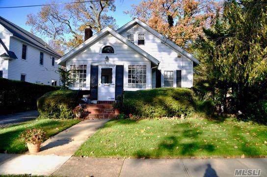 57 Raymond St, Rockville Centre, NY 11570 (MLS #3181020) :: Signature Premier Properties