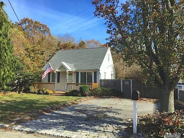 26 Thorney Ave, Huntington Sta, NY 11746 (MLS #3181045) :: Signature Premier Properties