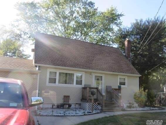 1574 Lincoln Blvd, Bay Shore, NY 11706 (MLS #3181046) :: Shares of New York