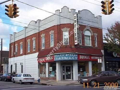 196 Rockaway Ave, Valley Stream, NY 11580 (MLS #3181661) :: Keller Williams Points North