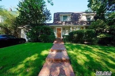 345 Manor Rd, Douglaston, NY 11363 (MLS #3182172) :: Signature Premier Properties