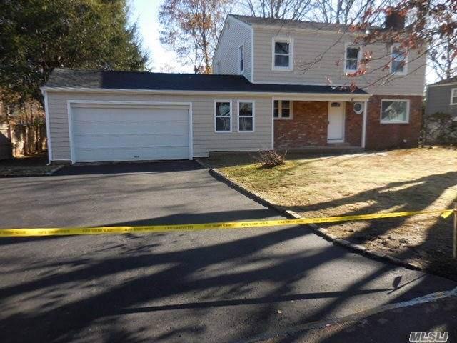 34 Shady Ln, Huntington, NY 11743 (MLS #3182961) :: Signature Premier Properties