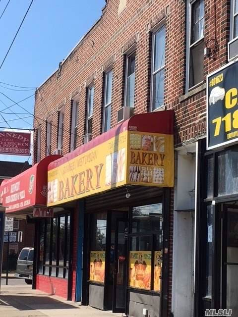 111-03 Roackaway Blvd, S. Ozone Park, NY 11420 (MLS #3183528) :: Keller Williams Points North