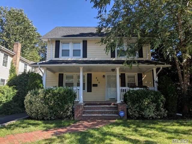 255 Morris Ave, Rockville Centre, NY 11570 (MLS #3183705) :: Signature Premier Properties