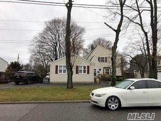 240 Evergreen Ave, Bethpage, NY 11714 (MLS #3183827) :: HergGroup New York
