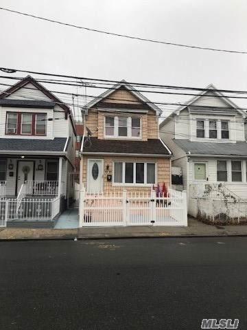 94-09 102nd St, Ozone Park, NY 11416 (MLS #3185162) :: Signature Premier Properties
