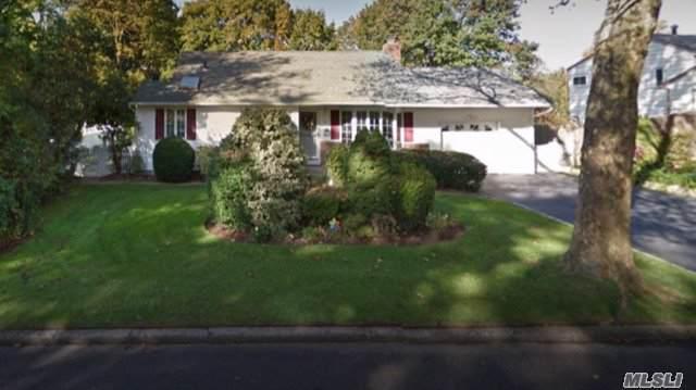 10 Royal Ln, Northport, NY 11768 (MLS #3185170) :: Signature Premier Properties