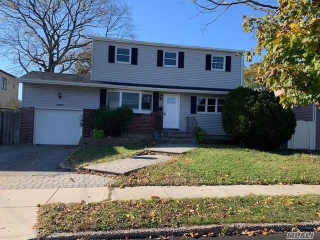 1540 Lakeshore Dr, Massapequa Park, NY 11762 (MLS #3186208) :: Signature Premier Properties
