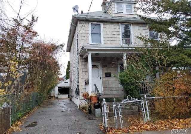 54 Coles St, Glen Cove, NY 11542 (MLS #3192039) :: RE/MAX Edge