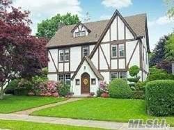 61 Garden St, Garden City, NY 11530 (MLS #3192348) :: Signature Premier Properties