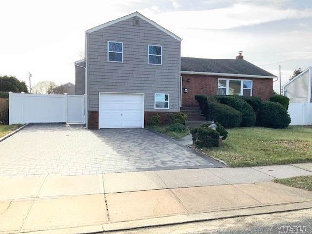 496 N Atlanta Ave, Massapequa, NY 11758 (MLS #3192398) :: Signature Premier Properties