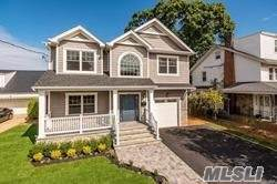 111 Woodlawn Ave, Valley Stream, NY 11581 (MLS #3192755) :: Signature Premier Properties